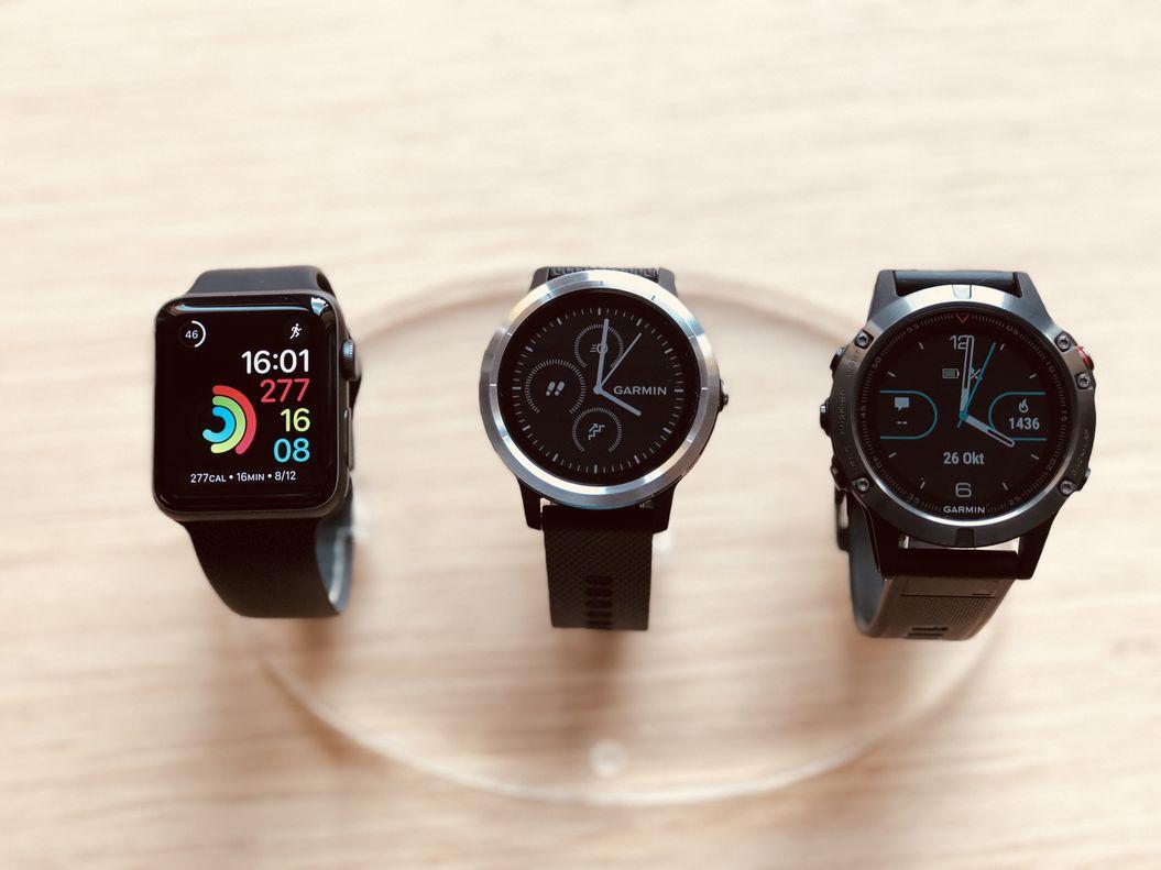 Apple Watch 3 vs. Garmin Vivoactive 3 vs. Garmin Fenix 5