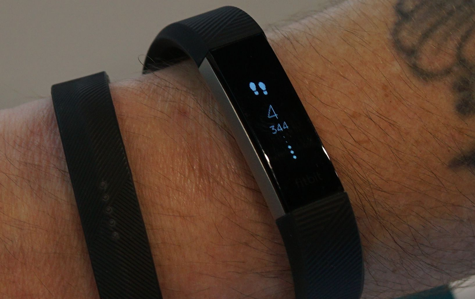 Activity Tracker Fitbit Alta HR Test: Steps