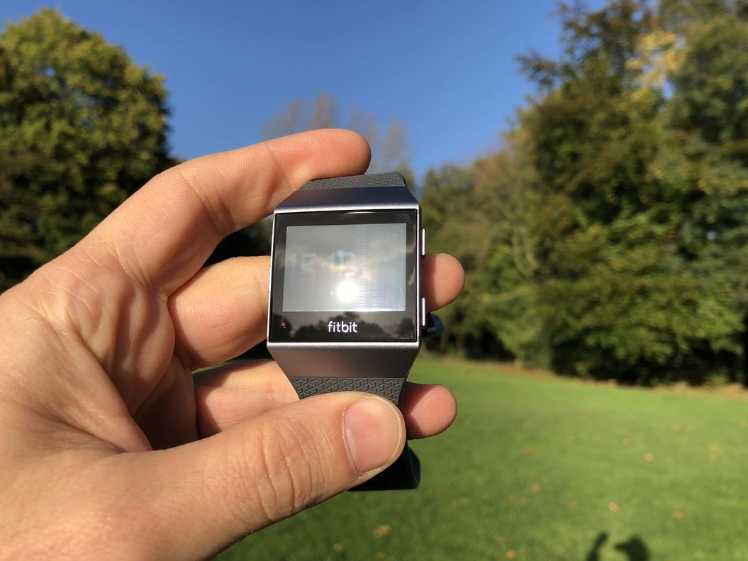 Fitbit Ionic - Direct sunlight