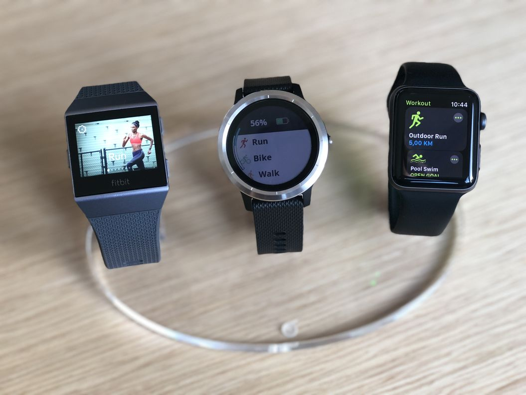 Fitbit Ionic vs Apple Watch 3 vs Garmin Vivoactive 3 - Which one