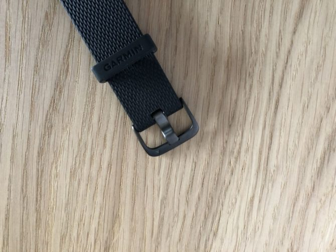 Garmin Vivomove HR Closure