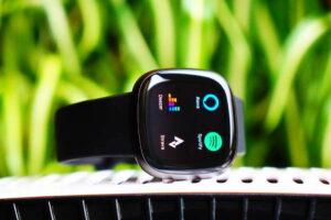Fitbit Versa 3: Stream Music