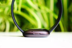 Fitbit Versa 3: touch-sensitive control button