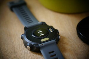 Garmin Forerunner 245 case back with pulse sensor