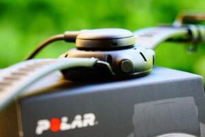 Polar Grit X: magnetic charging holder